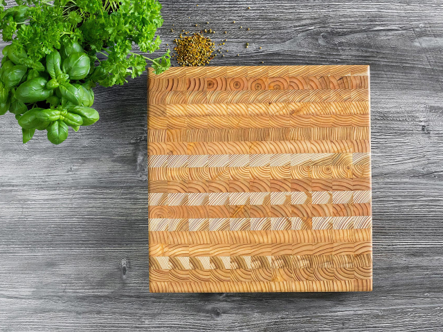 Square end-grain cutting board